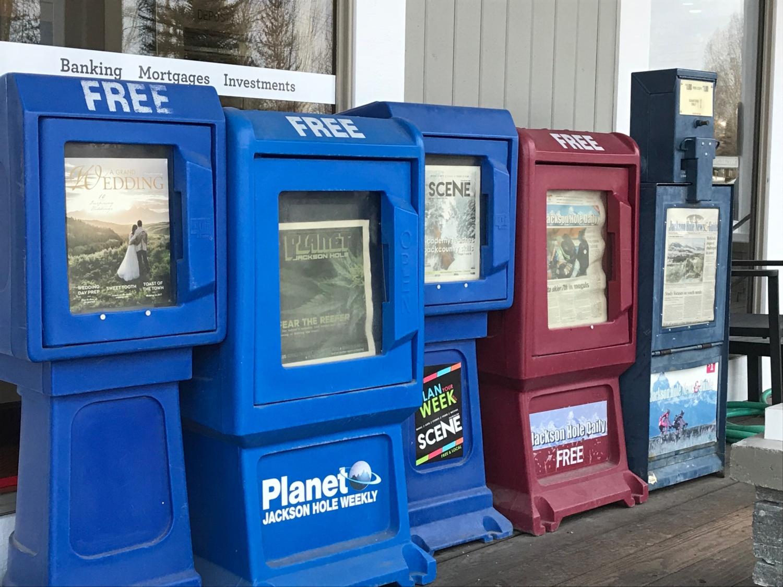 Des distributeurs de journaux